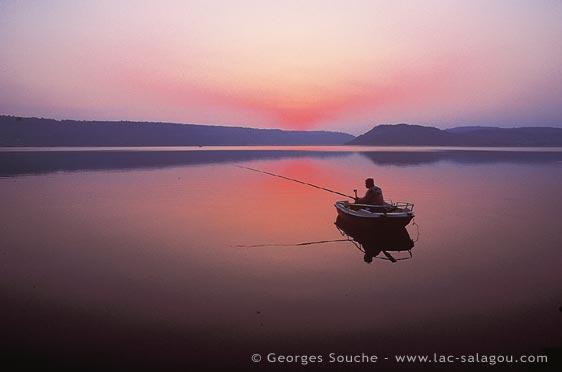 Aurore sur le lac